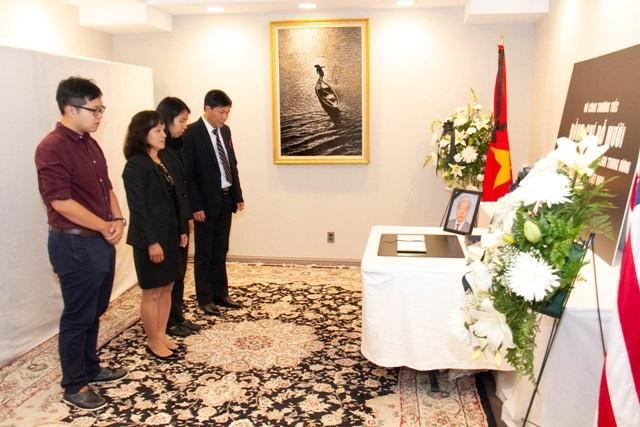 Đại diện lưu học sinh Việt Nam tại Hoa Kỳ đến viếng nguyên Tổng Bí thư Đỗ Mười