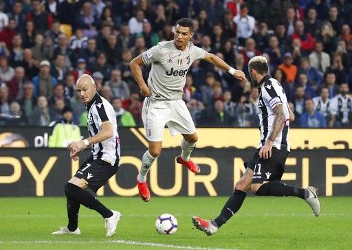 Udinese 0-2 Juventus: Vượt qua khó khăn, C.Ronaldo nổ súng - 2