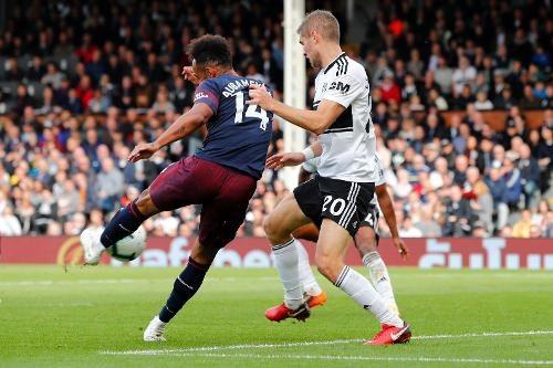 Aubameyang cũng không muốn ngồi ngoài trong chiến thắng của Arsenal, phút 80 tiền đạo người Gabon ghi bàn thắng thứ tư cho đội khách ở trận đấu này