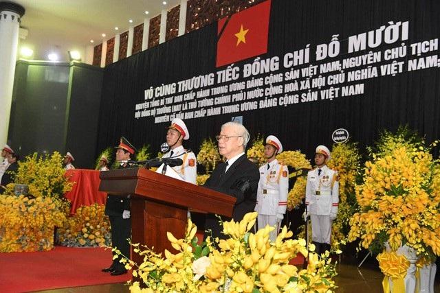 Tổng Bí thư Nguyễn Phú Trọng đọc điếu văn tưởng nhớ nguyên Tổng Bí thư Đỗ Mười
