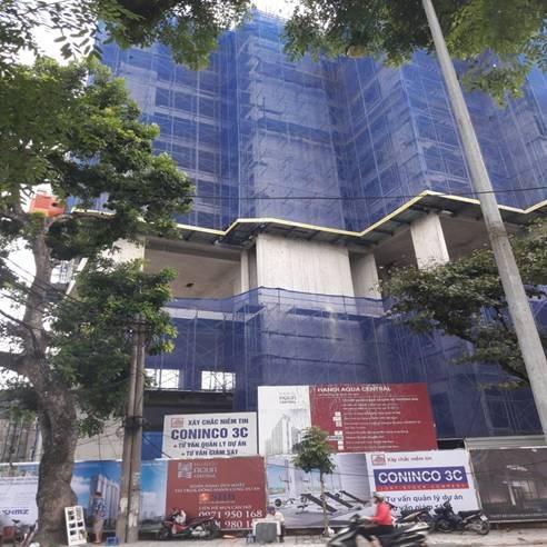 Chung cư Aqua Central 44 Yên Phụ từng bị lập biên bản ngừng thi công vì xây dựng sai so với thiết kế.