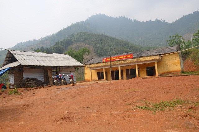 Đây là hình ảnh điểm trường Đồng Măng (thuộc Trường mầm non Trung Sơn, xã Trung Sơn, huyện Yên Lập, tỉnh Phú Thọ) những ngày đầu PV Dân trí đi khảo sát để có hướng giúp đỡ