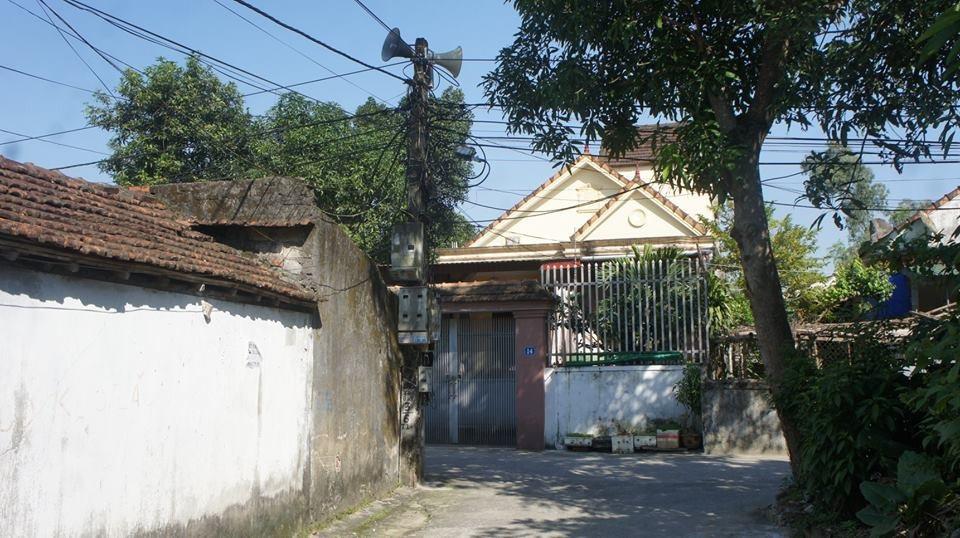 Sửa loa phát thanh phường, Bí thư thôn bị điện giật tử vong - Ảnh 1.