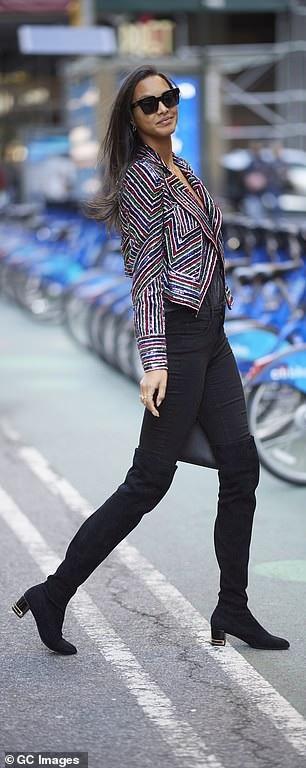Lais Ribeiro là người diện áo lót triệu đô trong show Victorias Secret năm ngoái