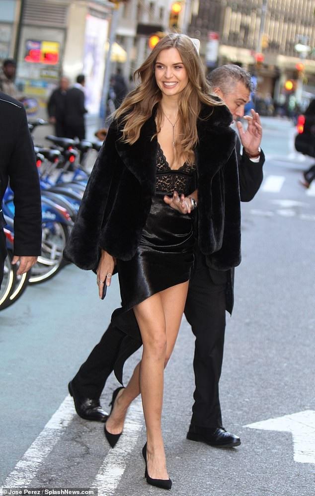 Josephine Skriver - siêu mẫu Đan Mạch