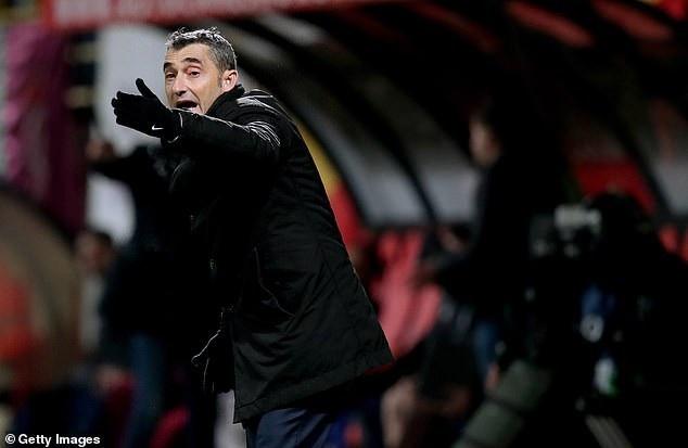 HLV Valverde đang thành công cùng Barcelona