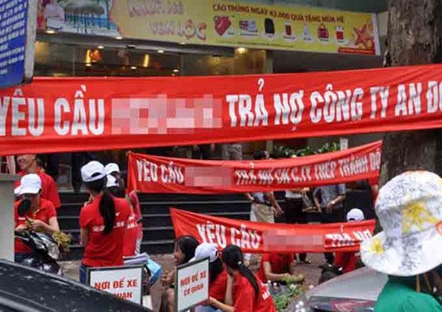 TPHCM đề nghị cấm dịch vụ đòi nợ thuê (ảnh: Phương Dung)