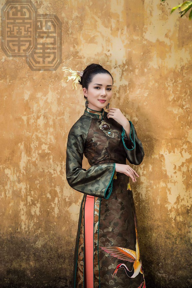 Hoa khôi Huỳnh Thúy Vi dịu dàng trong tà áo dài mang nét cung đình xưa - 6