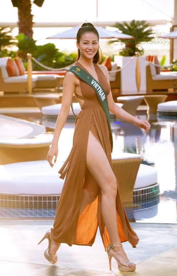 """""""Thông điệp mà Khánh muốn gửi đến sau hành trình thi Hoa hậu Trái đất là hãy luôn lạc quan và vui vẻ để chinh phục giấc mơ của mình. Không một thành quả nào mà không khó khăn, quan trọng là mình biết vượt qua vòng an toàn của mình mới có thể làm nên lịch sử"""", cô nói."""