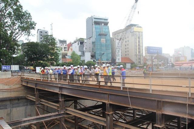 Gói thầu số 1a (xây dựng đoạn ngầm gần 0,8km từ ga trung tâm Bến Thành đến ga Nhà hát TP) đạt hơn 50% khối lượng công việc
