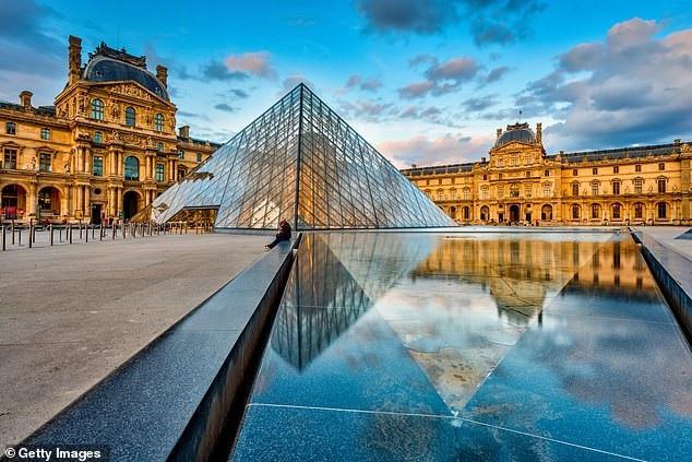 Bảo tàng Louvre là một trong những điểm đến hấp dẫn nhất của Paris nói riêng và nước Pháp nói chung