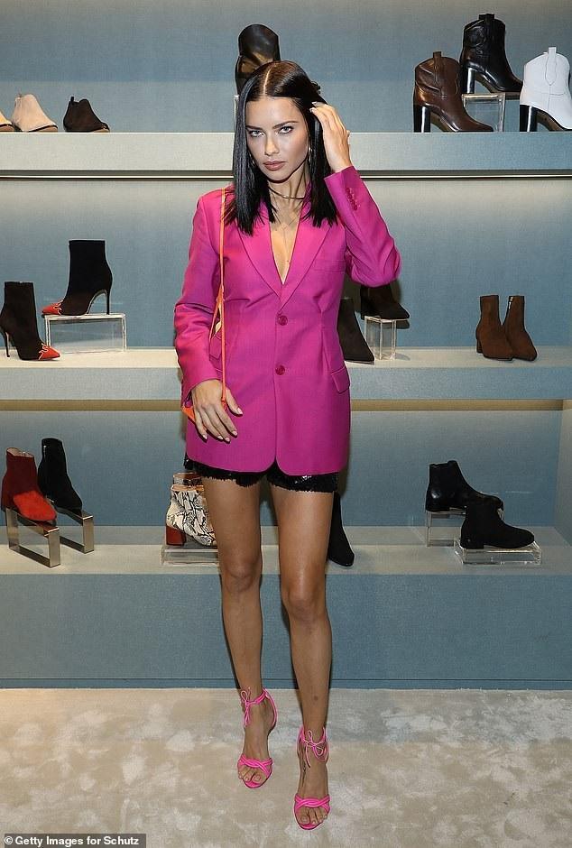 Adriana Lima dự tiệc thời trang tại Miami, Mỹ ngày 13/11 vừa qua