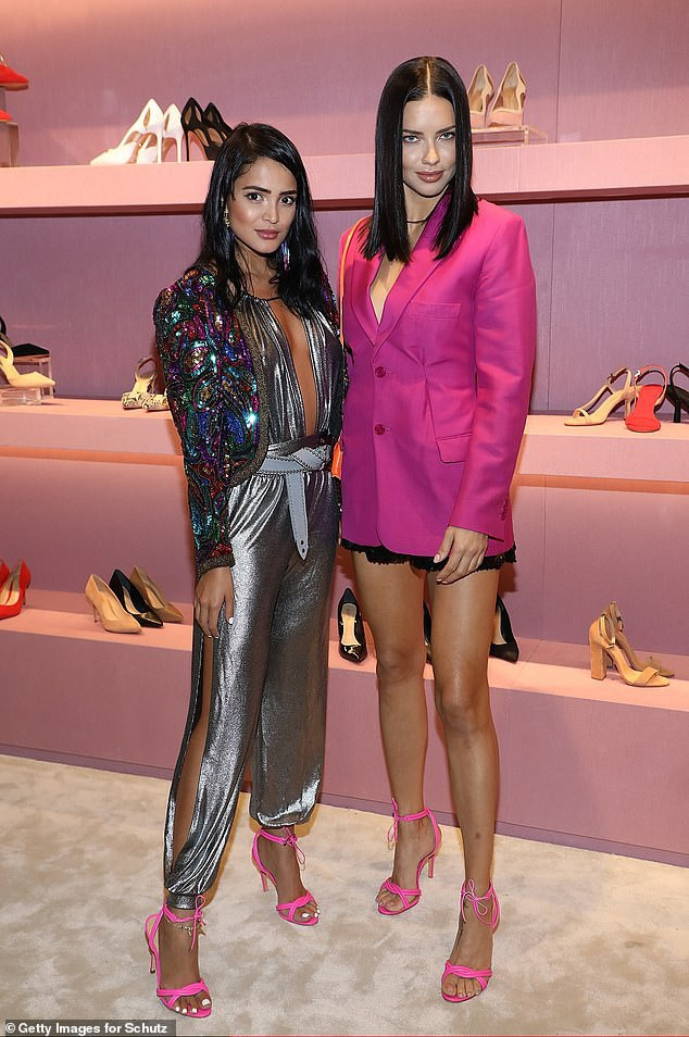 Mới đây Adriana Lima đã giã từ đôi cánh thiên thần Victorias Secret sau 19 năm gắn bó với thương hiệu này