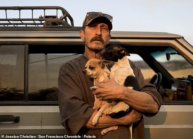 Ông Greg Woodcox may mắn thoát chết sau vụ cháy rừng ở California. (Ảnh: DM)