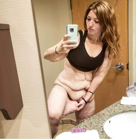 Da bụng, đùi của Lexi chảy xệ sau quá trình biến đổi