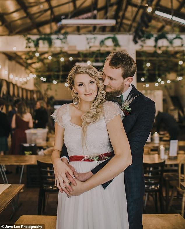 Nỗi kinh hoàng của cô dâu ngay trước ngày cưới - 2