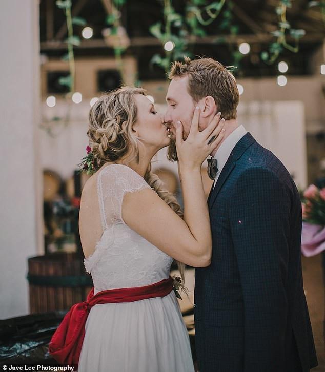 Nỗi kinh hoàng của cô dâu ngay trước ngày cưới - 4