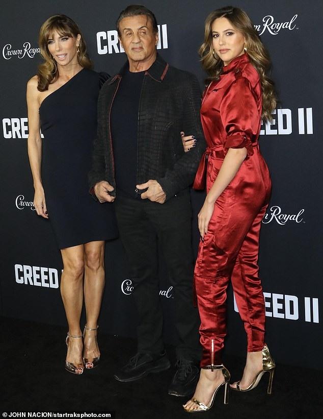Ba con gái của Sylvester Stallone càng lớn càng xinh đẹp nổi bật và rất được báo giới quan tâm.