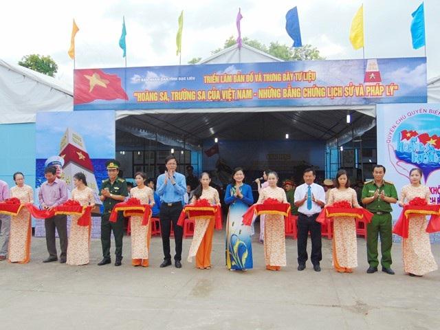 Khai mạc Triển lãm tư liệu, hình ảnh 2 quần đảo Hoàng Sa và Trường Sa là của Việt Nam.