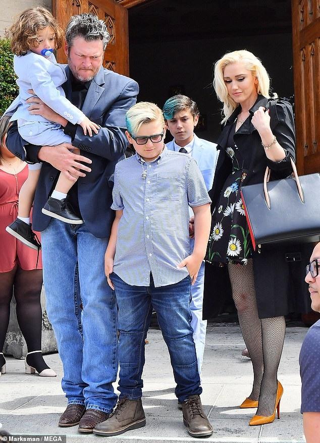 Blake thân thiết với 3 con trai riêng của Gwen.