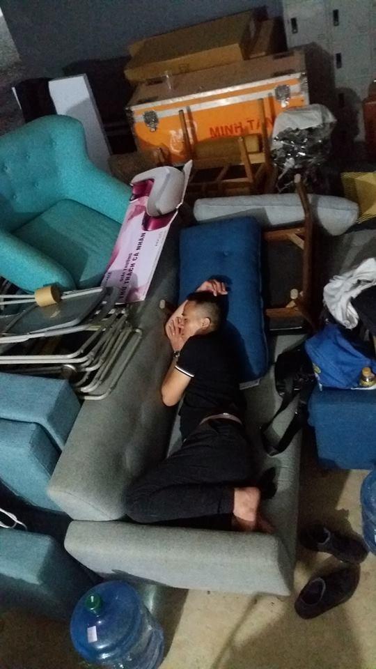 Một người bạn đăng tải hình ảnh giấc ngở tranh thủ của Mạnh Hùng.