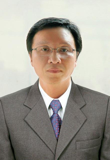 PGS. TS Trần Đình Tuấn, Bí thư Đảng ủy, Hiệu trưởng nhà trường.