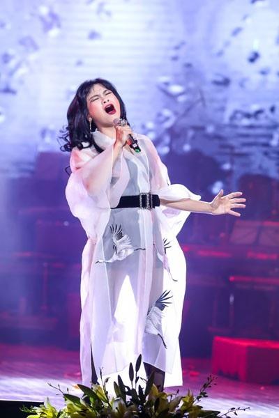 Đánh giá cao giọng hát của Thanh Lam, nhưng Phú Quang từng khuyên nữ Diva hát bớt điên đi...