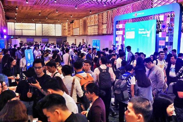 Lễ vinh danh Startup Việt 2018 được sự quan tâm đông đảo của các bạn trẻ.