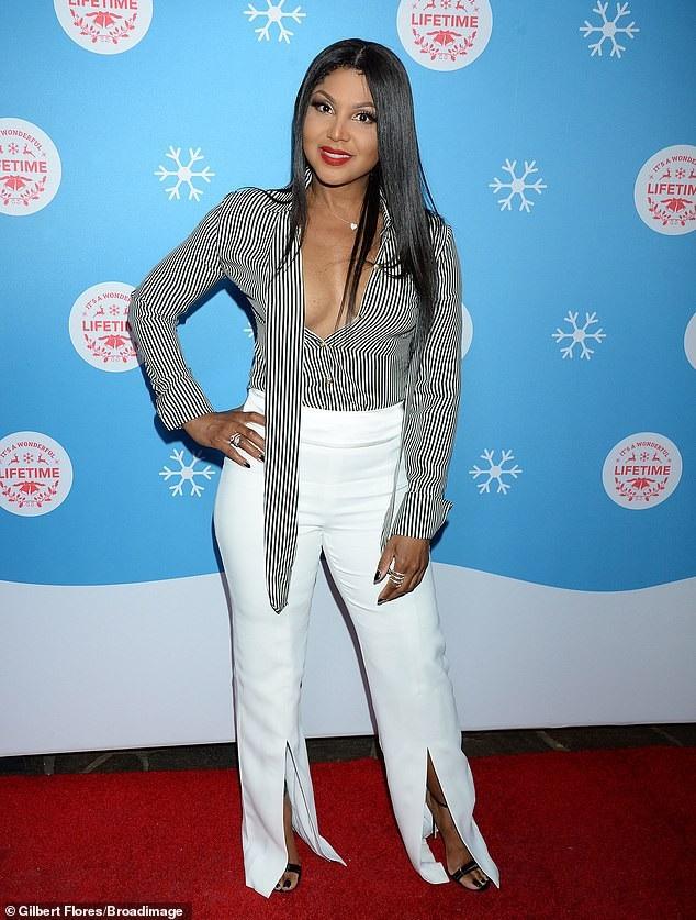 Ca sỹ nổi tiếng Toni Braxton tái xuất trong một sự kiện tại Los Angeles ngày 14/11 vừa qua