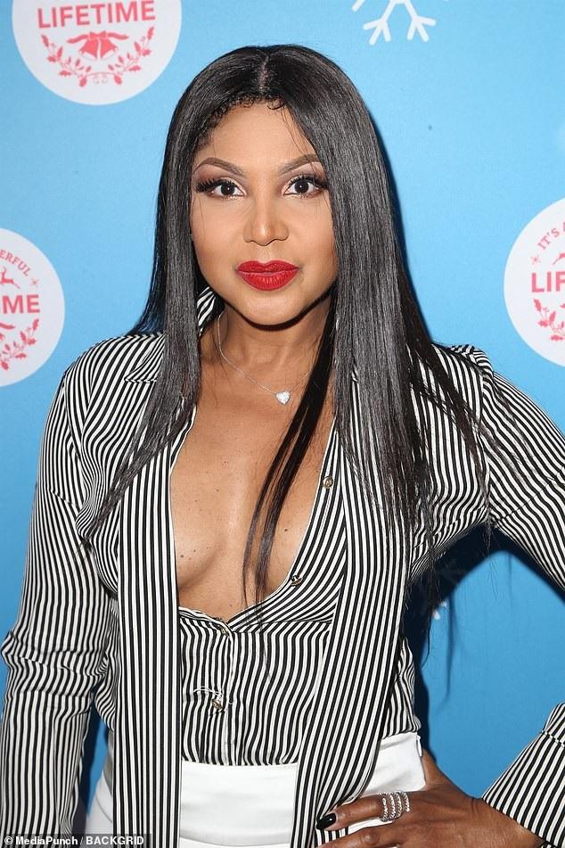 Vẻ đẹp gợi cảm và trẻ trung của ngôi sao từng giành 3 giải Grammy