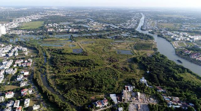 Ông Tất Thành Cang tự ý chấp thuận chủ trương chuyển nhượng hơn 32ha đất với giá bèo (ảnh: Nguyễn Quang)