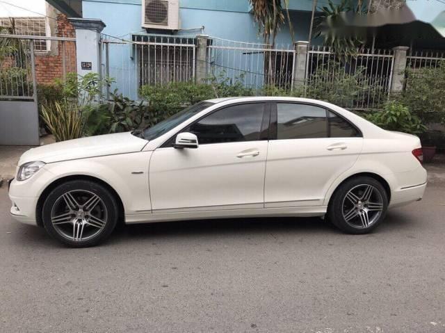 Chiếc Mercedes C230 bán hơn 460 triệu đồng