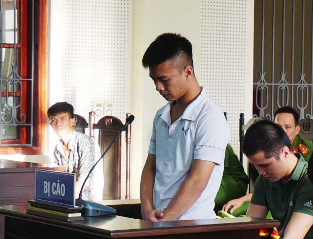 Phan Văn Thọ cầm 2 khẩu súng, đưa cho Hiếu một khẩu khi đi giải quyết mâu thuẫn giúp Cường. Vào thời điểm xảy ra vụ án, Hiếu và Cường đang là học sinh lớp 11.