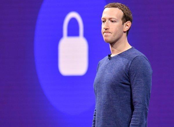 Ông chủ mạng xã hội Facebook tin rằng mình vẫn là người tốt nhất để dẫn dắt công ty giải quyết vấn đề, hướng tới tương lai.