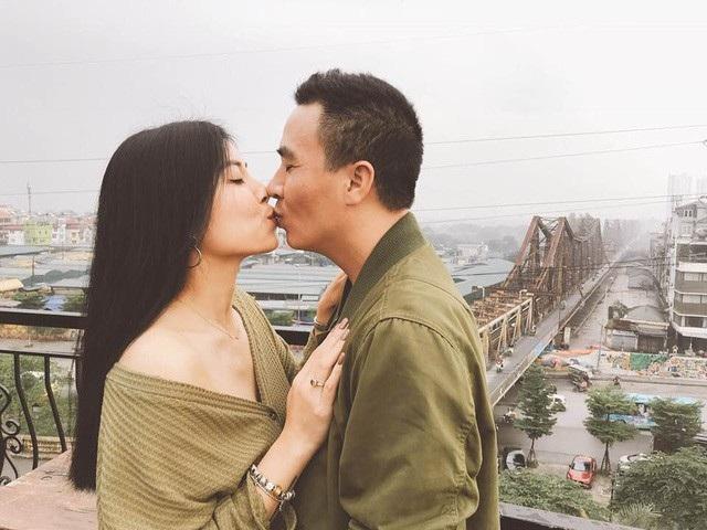 """Ngay sau đó, PV Dân trí đã có cuộc trò chuyện cùng anh Mạnh Hùng, anh gửi lời cảm ơn tới mọi người đã quan tâm tới cuộc sống của hai vợ chồng và chia sẻ: """"Tính Linh nóng nảy nên đăng vậy thôi, vợ chồng tôi chỉ giận hờn một chút thôi""""."""