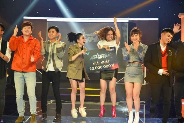 ... ẵm về giải thưởng cao nhất, 20 triệu đồng cho đội Phạm Toàn Thắng.