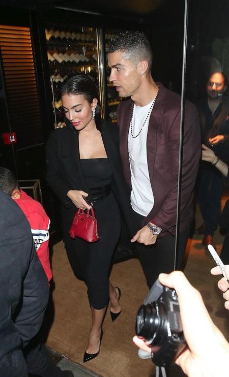 Rộ thông tin cho rằng CR7 và Georgina Rodriguez đã đính hôn