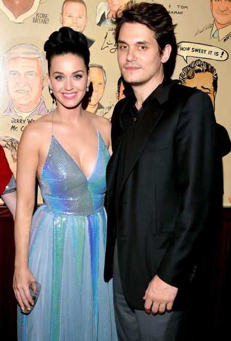 Katy Perry quả thực đã có một cuộc tình nhiêu khê với John Mayer. Cả hai bắt đầu hẹn hò vào mùa hè năm 2012 nhưng chia tay ngay trong mùa thu năm đó. Bước sang năm 2013, Katy Perry và John Mayer cũng đã kịp thời hẹn hò và chia tay thêm lần nữa trước khi tái hợp rồi lại dứt tình thực sự với nhau vào tháng 2/2014.