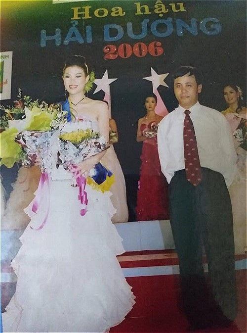 Diễn viên Thanh Hương (vai Lan cave của Quỳnh búp bê) gây bất ngờ khi khoe bức ảnh cô từng đăng quang Á hậu cuộc thi Hoa hậu Hải Dương cách đây 12 năm.