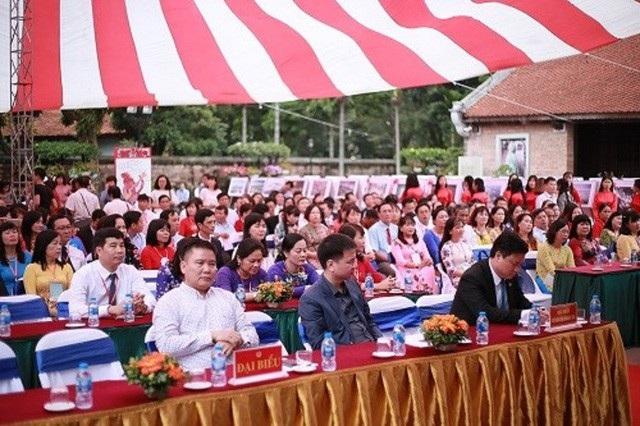 183 thầy cô giáo tiêu biểu tham dự buổi lễ.