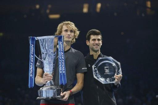 Zverev đã đánh bại cả Federer và Djokovic để vươn tới chiếc cúp ATP Finals