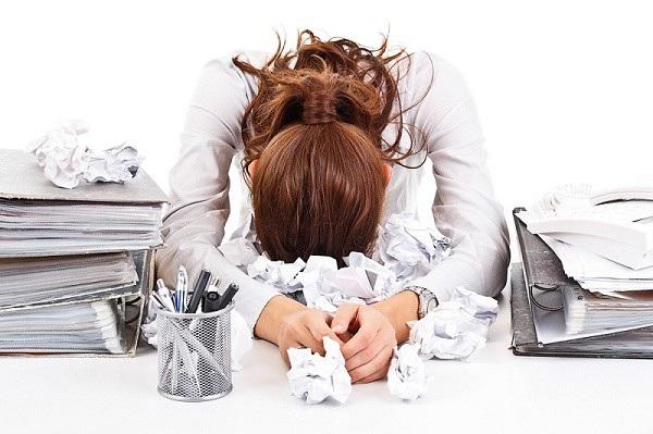 Áp lực công việc cuối năm luôn khiến cho nhiều người rơi vào trạng thái căng thẳng
