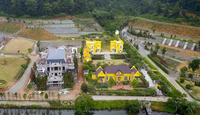 Những tổ hợp nghỉ dưỡng, du lịch vẫn tiếp tục mọc lên trên địa bàn huyện Sóc Sơn. (Ảnh: Toàn Vũ)