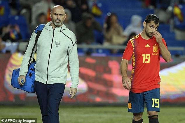 Jonny cũng lần đầu được ra sân ở đội tuyển Tây Ban Nha