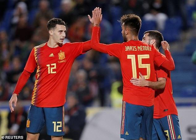 Mendez ăn mừng bàn thắng duy nhất của trận đấu ở phút 78