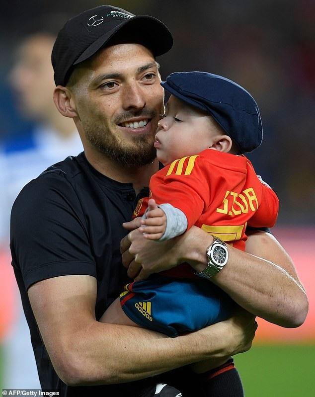 Silva có mặt trên sân, ở trận đấu vinh danh mình sau khi giã từ đội tuyển quốc gia