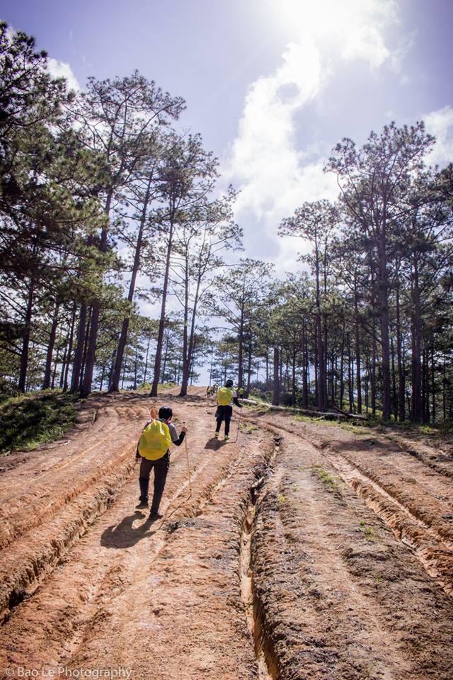 Chinh phục Tà Năng – Phan Dũng không quá khó song đòi hỏi sự bền bỉ, kiên trì. Tổng chiều dài hành trình khoảng 55km và mất khoảng ba ngày hai đêm để chinh phục.