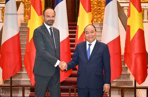 Thủ tướng Nguyễn Xuân Phúc và Thủ tướng Pháp Édouard Philippe (ảnh: VGP)