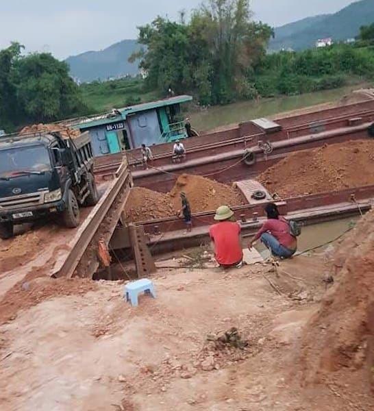 Tài nguyên quốc gia bị thất thoát ngay giữa ban ngày tại huyện Lục Ngạn.
