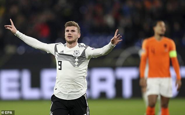 Wenger đưa Đức vượt lên ngay ở phút thứ 9